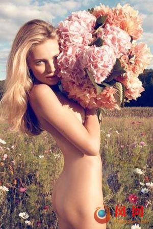 艾迪塔全裸上阵Dior香水大片点击图片进入下一页