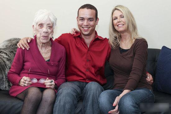 巴西 世界最高少女 求婚 2米 91岁女友  喜欢老年人