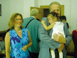 养女 中国话 瑞典妈妈 求学