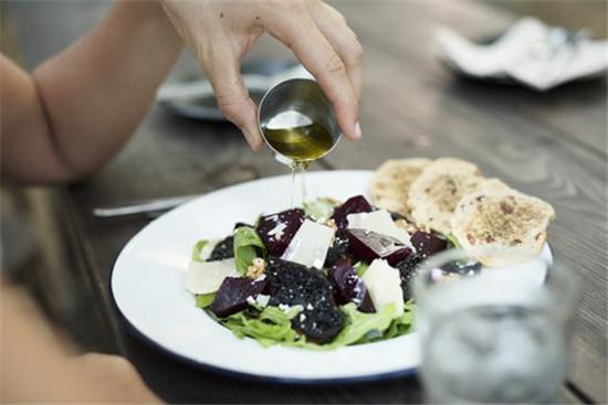 橄榄油 食用油 凉拌菜 养生 营养价值