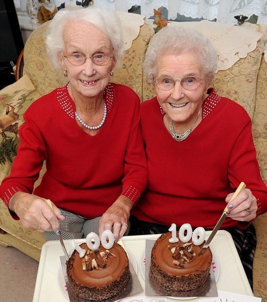 百岁姐妹花 百岁老人 百岁老人长寿秘诀