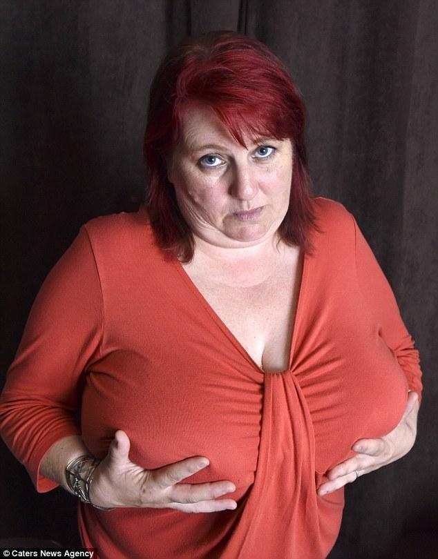 巨乳 胸大烦恼 大胸尴尬 大胸穿胸罩