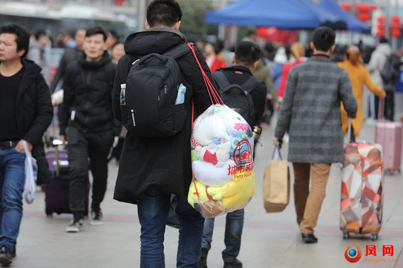 新春走基层 长沙火车站
