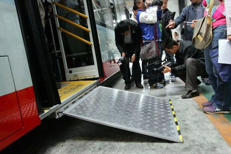 国内公交车还有这种设计?我是第一次知道,你呢?