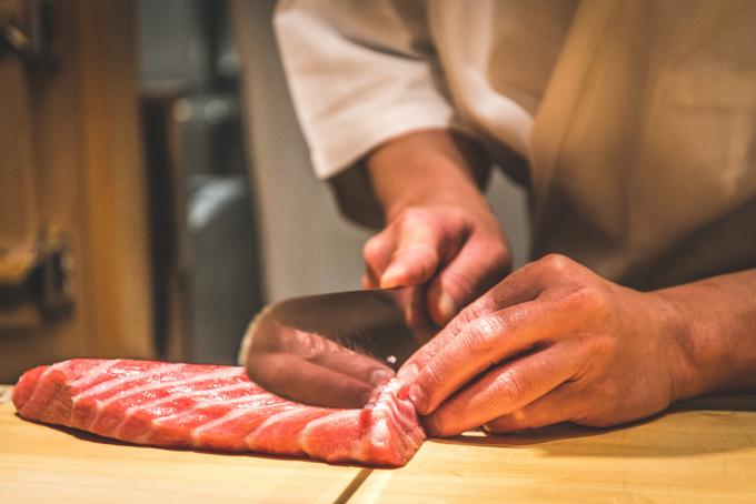 精心烹制的日本寿司.jpg